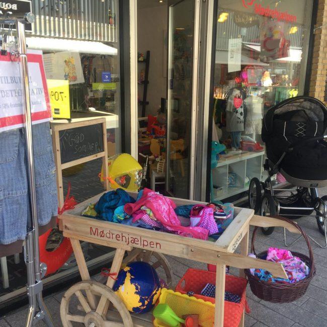 Mødrehjælpens butik i Egedal Centret